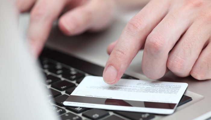Just 15 couples use UC split payments